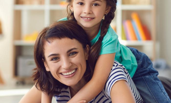 Die Nanny unterstützt Familien dabei, Kinder gut zu betreuen und Quality Time zu sichern